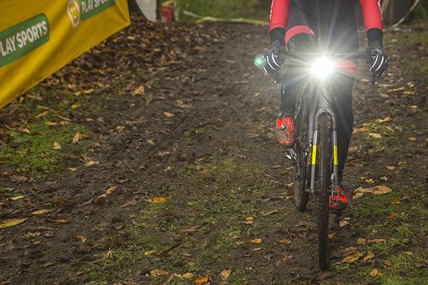 Cycliq combineert fietscamera en -verlichting - Mountainbike.be